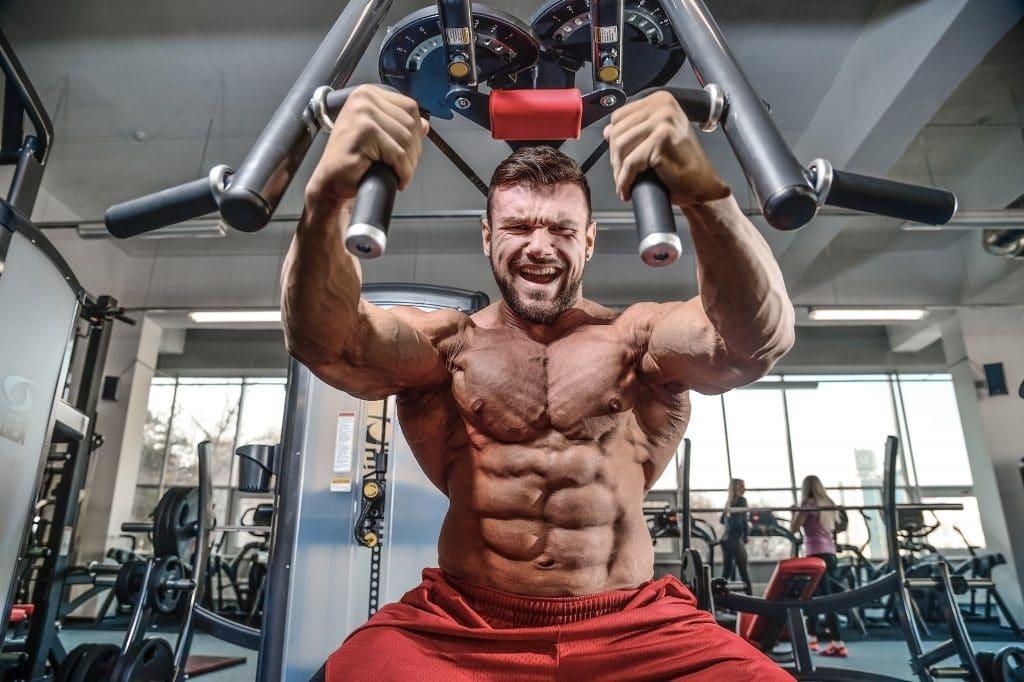 bodybuilder training lats